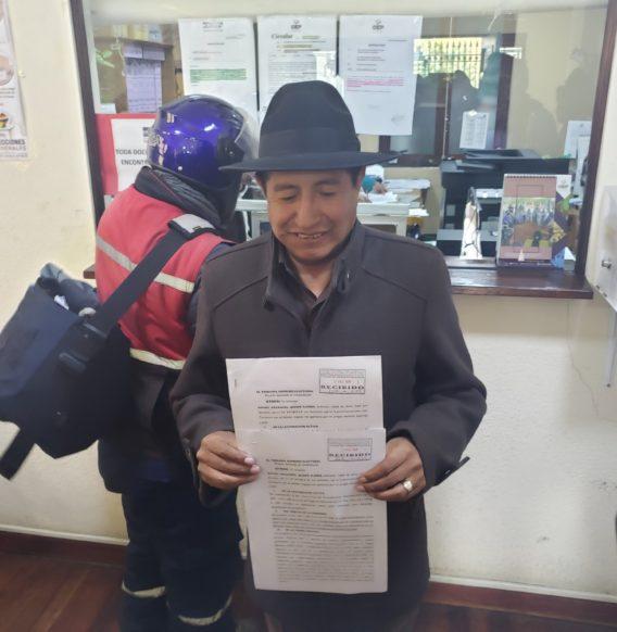 Rafael Quispe presenta demanda de inhabilitación en contra de Evo Morales candidato a senador